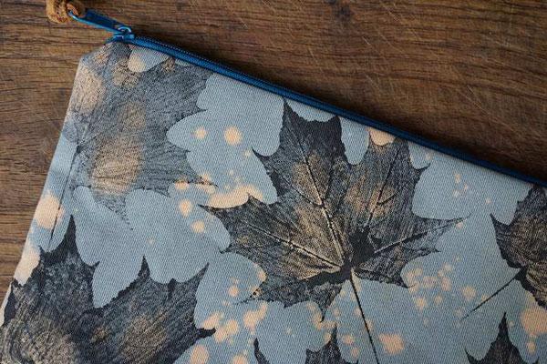 Stoffdruck mit Blättern (develloppa)