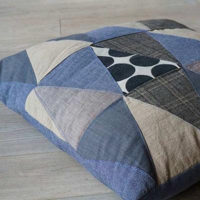 alte jeans zu neuen taschen develloppa. Black Bedroom Furniture Sets. Home Design Ideas
