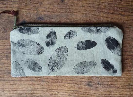 Täschchen mit Salbeiblättern bedruckt (develloppa)