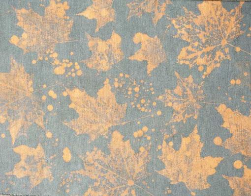 Stoffdruck mit Bleichmittel und Herbst-Blättern (develloppa)