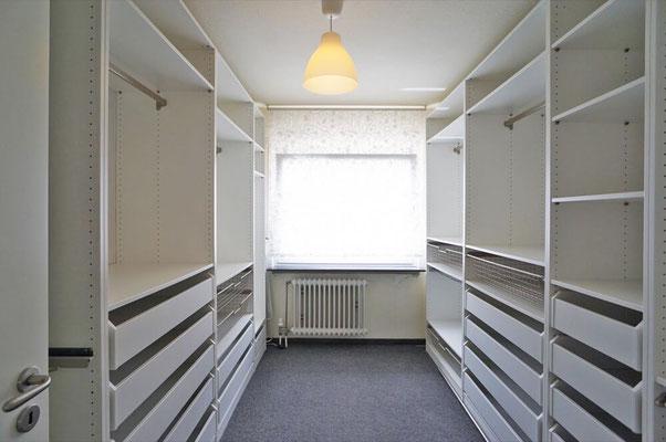 REH Oestrich-Winkel Ankleidezimmer