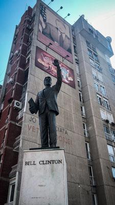Bill Clinton Statue/ Pristina