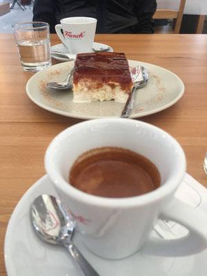 Trilece, Espresso und Raki, Gjirokastra