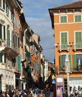 Via Guiseppe Mazzini, Verona