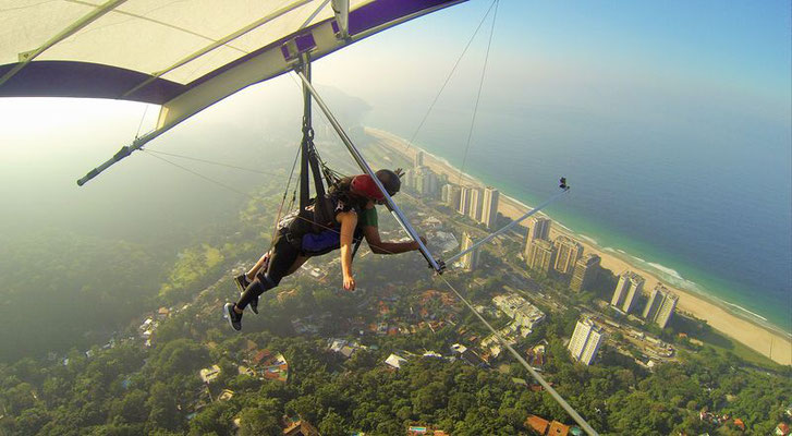 Hang Gliding über Rio de Janeiro