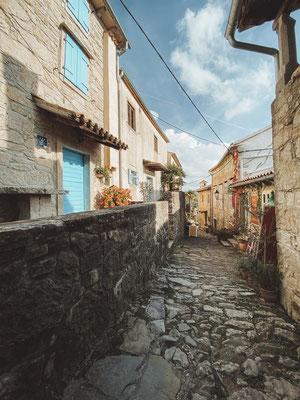 Hum, Kroatien