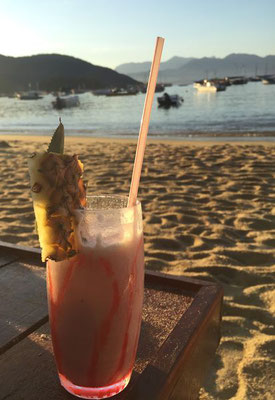 Cocktail trinken auf der Ilha Grande