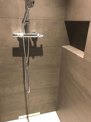 Neubau Dusche mit Keramik Platten in Kesswil