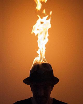 RAHMAN HAK-HAGIR, The roof is on fire