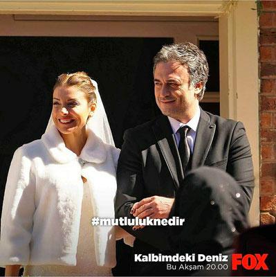 The serial Kalbimdeki Deniz , Özge Özberk wedding dress