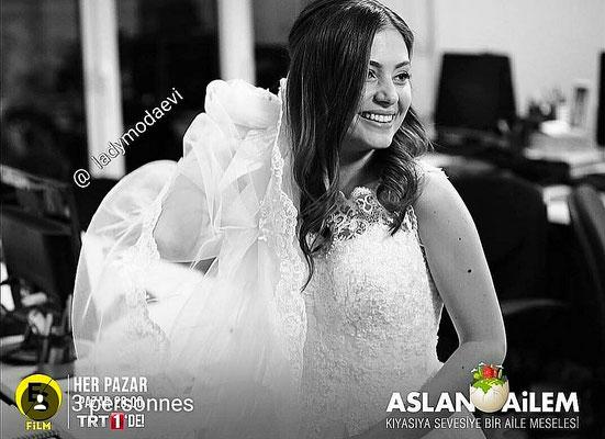 The serial Aslan Ailem , Eda Sölenci wedding dress