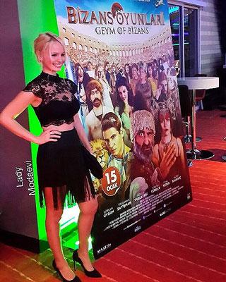 Özge İnce at the galaof the movie Bizans Oyunları