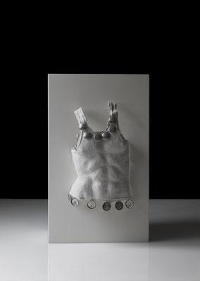 OT_NBS14, 2010, Acrylharz, Aluminiumdosenteile, Gipsbinde, Aluminiumdraht, 40×64×15 cm