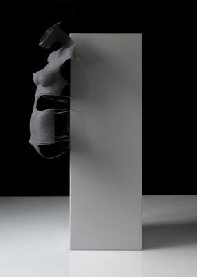 OT_NBS23, 2019, Acrylfarbe, Acrylharz, Gipsbinde, Aluminiumdraht, 45×30×32 cm
