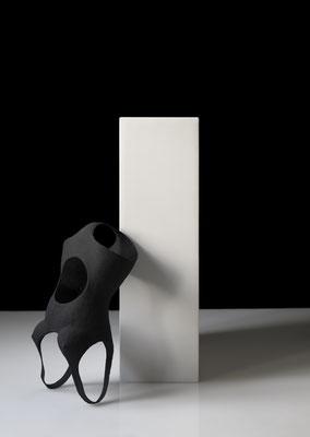 OT_NBS06, 2019, Acrylfarbe, Acrylharz, Gipsbinde, Aluminiumdraht, 32×64×23 cm
