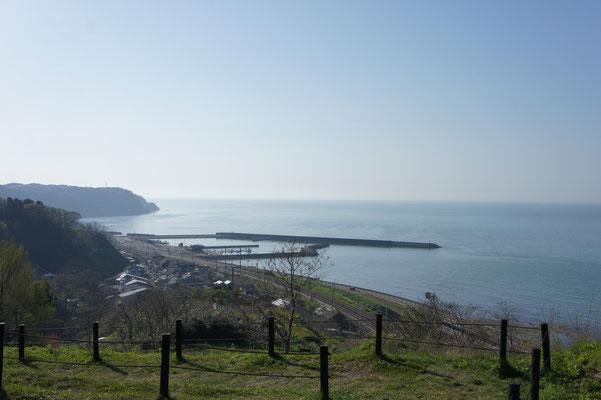 目の前には穏やかな日本海が広がってきました