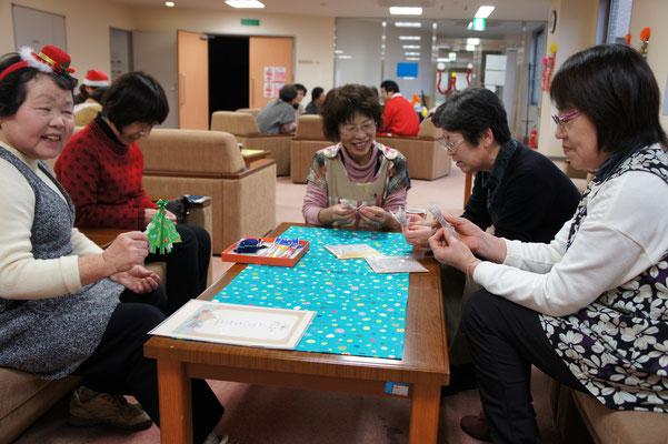 日本伝統の「折り紙」。子ども時代を思い出します。