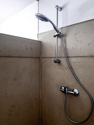 Dusche in Beton in Spittal an der Drau, Kärnten