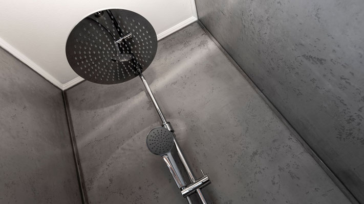 Dusche mit Betonoptik