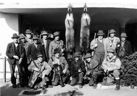 1961 - erfolgreich Wildschweinjagd - Bären Neuenegg
