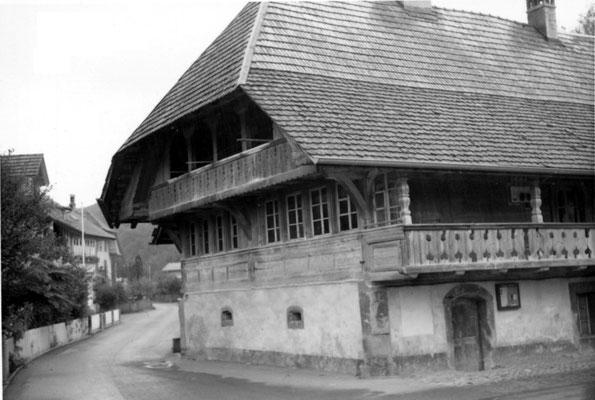 Die alte 'Oele' an der Ecke Dorfstrasse / Oeleweg