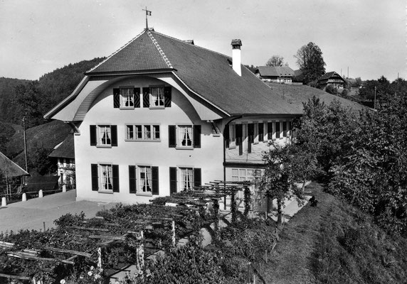 Landhaus von Westen