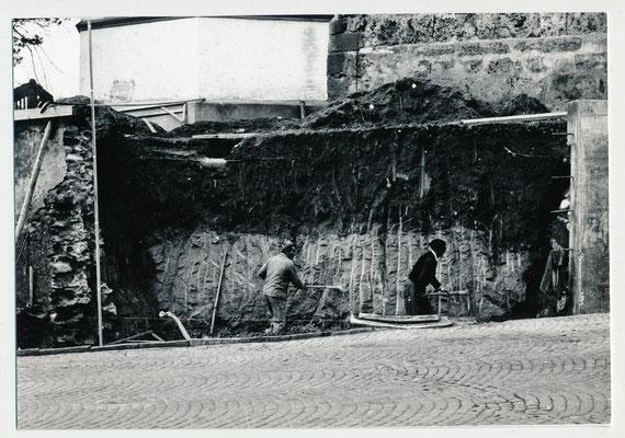 Sanierung Mauer bei der Kirche