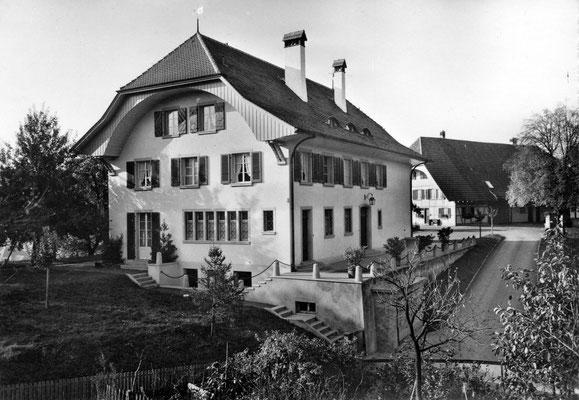 Landhaus von Osten