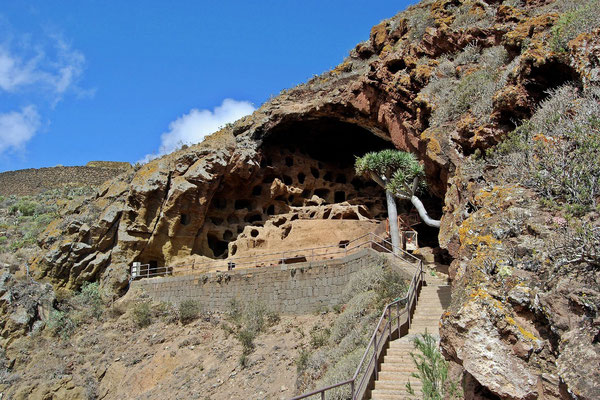 Höhlenbehausungen  der Guanchen von Cenobio de Valeron auf Gran Canaria / © Harald Braem