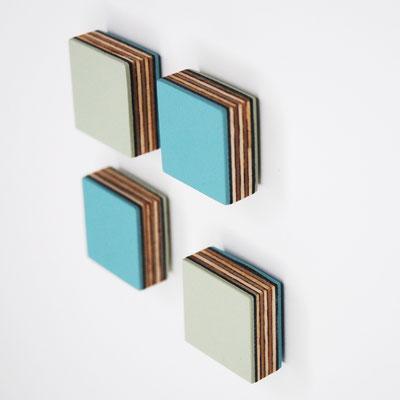 Magnete aus Linoleum und Multiplex, verschiedenen Farben