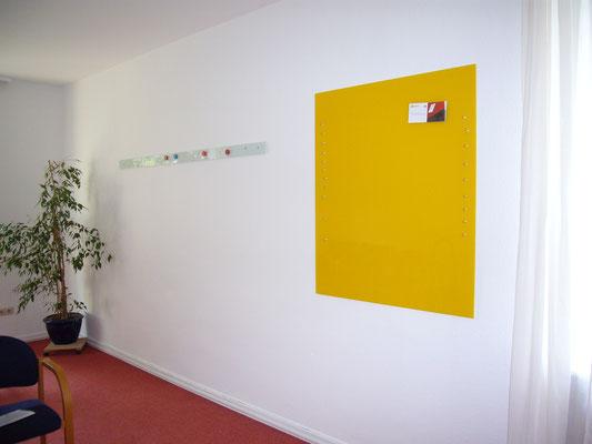 2 Glasmagnettafeln Klassisches Weiß (REF 9010) und Leuchtendes Gelb (REF 1023)