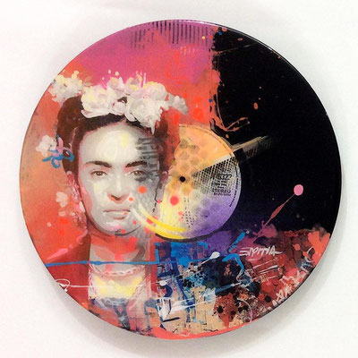 "Vinyl Records ""CELEBRITIES"" serie / FRIDA  by ©Rafael Espitia"