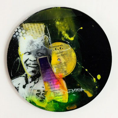 "Vinyl Records ""CELEBRITIES"" serie / NELSON MANDELA  by ©Rafael Espitia"