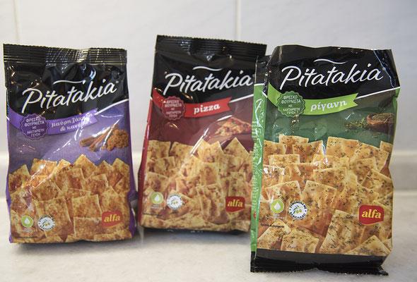 Pitatakia in der Geschmacksrichtung Pizza, Oregano und Zimt+Zucker