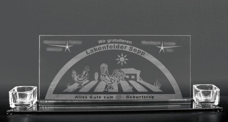 Glasbild in Schwibbogen-Form mit Hühnern