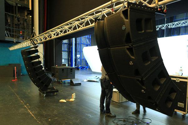 Clair Brothers Montage im Festspielhaus St. Pölten