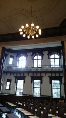 会場の岩手銀行赤レンガ館は、国の重要文化財に指定されている由緒ある建物です
