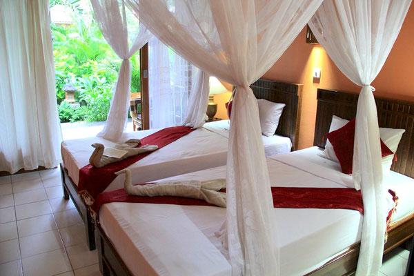 Chambre lit jumeaux à Pemuteran, Bali.