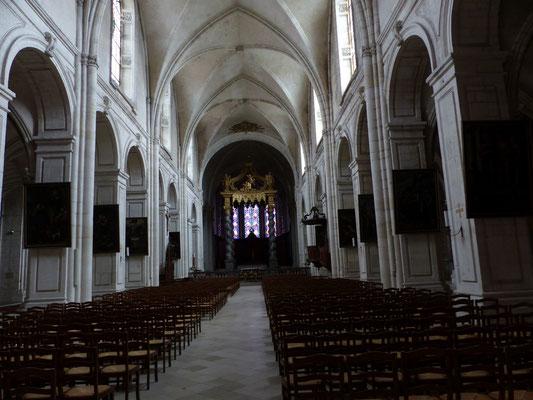 Nef principale de la cathédrale de Verdun