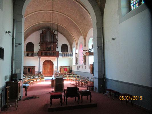 Vue de l'orgue RUËF depuis le chœur.