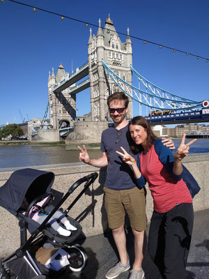 Mit Flo und Marlene vor der Tower Bridge