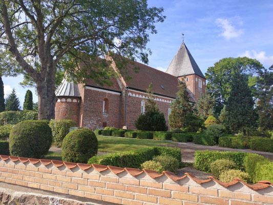 Kirche in einem kleinen Dorf