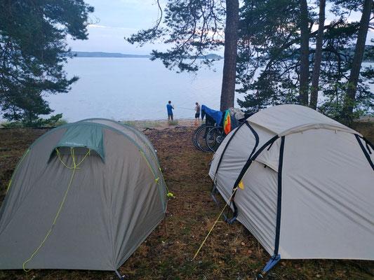 Wild zelten und fischen in Schweden