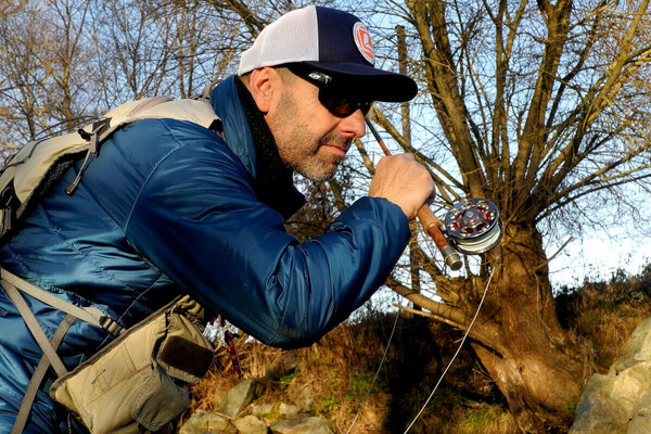 Fliegenfischerschule Allgäu - Franz führt den perfekten Wurf vor