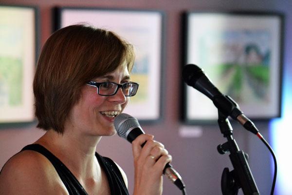 Bianca geleitete das Publikum durch das Programm.