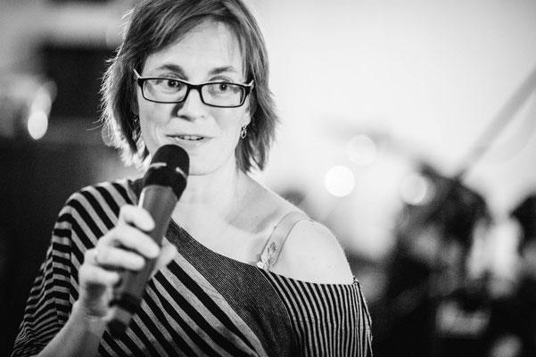 Bianca Heidelberg unterhielt mit einem Grammatik-Krimi (Foto: CPmalek, Bildbearbeitung: Nicole Malek)