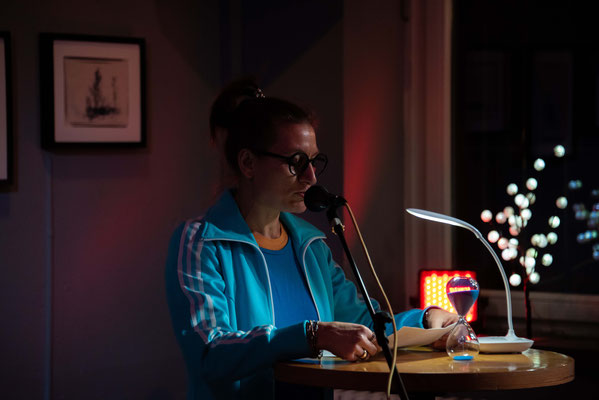 Immer wieder gern gesehen auf unserer Lesebühne: Helga Fleig.