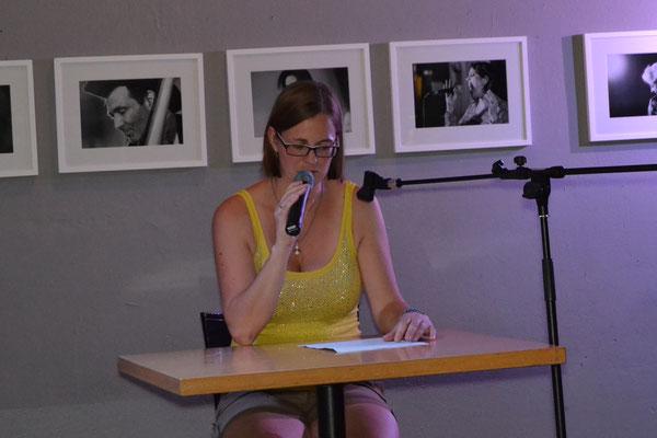 Einen Textschnipsel hörten wir von Bianca Heidelberg.