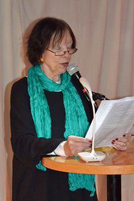 Hedda Fischer las einen Kurzkrimi über eine Suche.