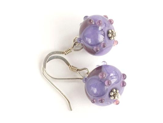 Ohrhänger Arlecchino in zwei Violett-Tönen, mit geschliffenen Kristallen